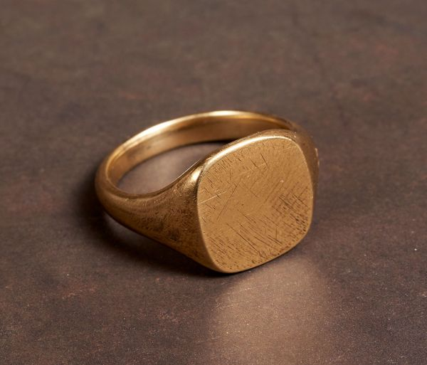 signet ring scratched gold