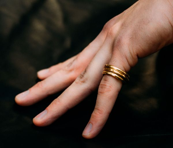 ring classic round forged gold