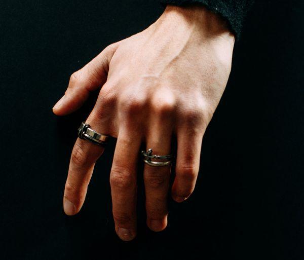 ring symbol cross