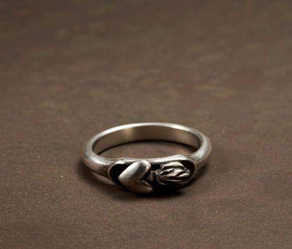 ring symbol heart