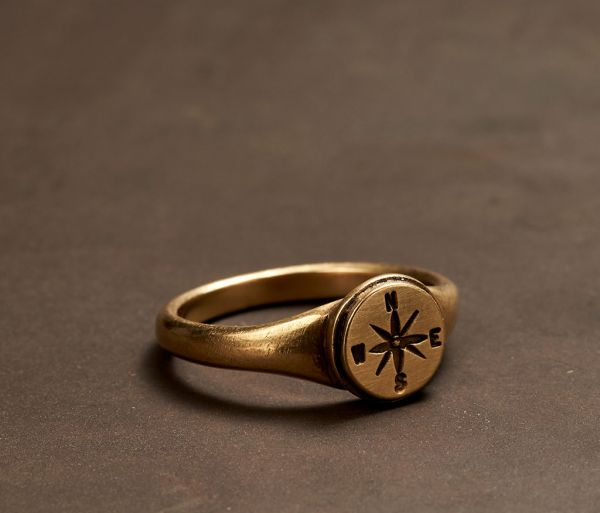 ring symbol windrose gold