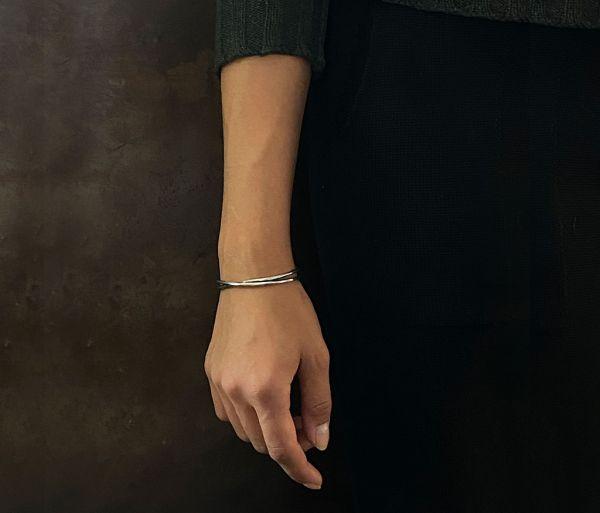 bracelet crossed