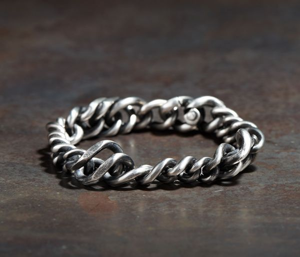 bracelet twisted links