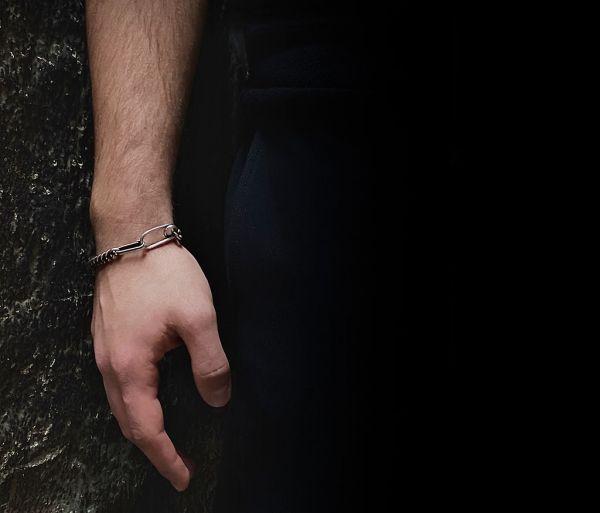 bracelet curl