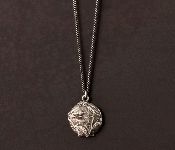 necklace medallion rosebud