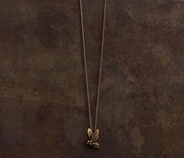 fine chain bee gold