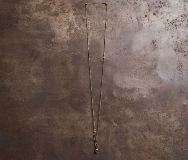 fine chain safety pin+skull gold