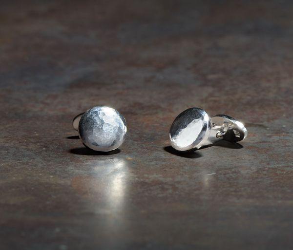 cuff links button