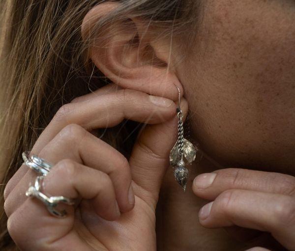 earrings rosebud
