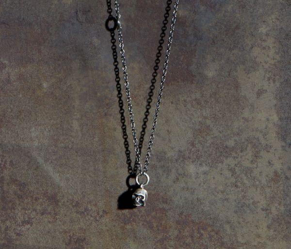 chain mini skull