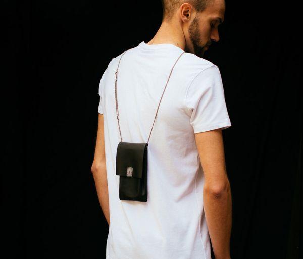 phone purse tool traces
